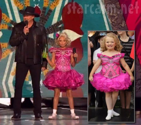 Side by side photos of Honey Boo Boo and Kristin Chenoweth wearing the same pink dress