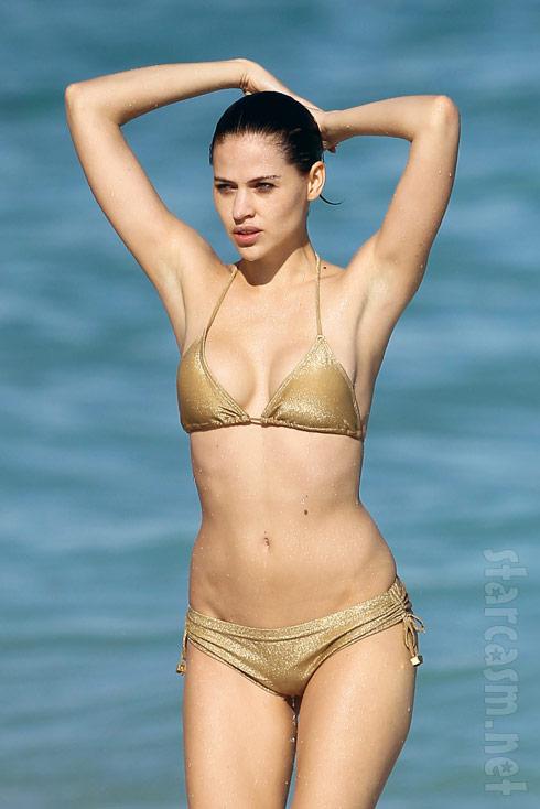 Russell Simmon's girlfriend Hana Nitsche bikini body