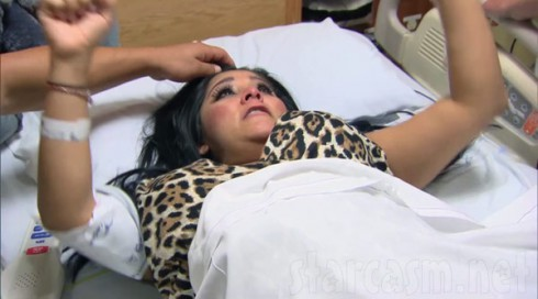 Snooki giving birth in Snooki and JWoww Season 2