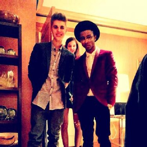 Justin Bieber hangs with Lil Twist and Barbara Palvin before going to see Lion King on Broadway