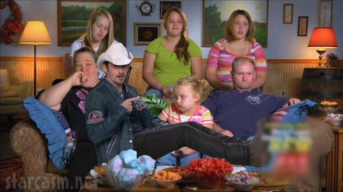 Brad Paisley with the Here Comes Honey Boo Boo family from theme song music video