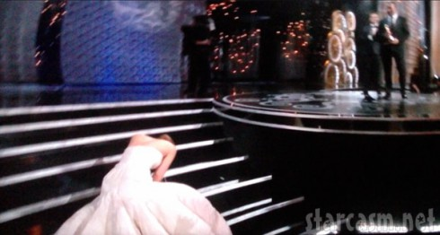 Jennifer Lawrence falls at the Oscars 2013