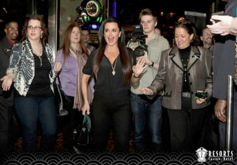 Kyle Richards and fans in Atlantic City