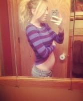 Nikkole Paulun baby bump photo