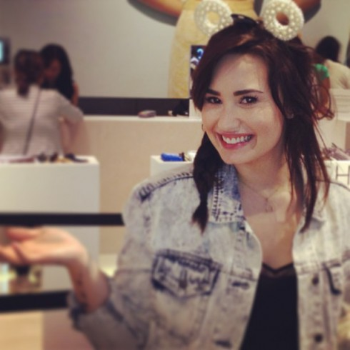 Demi Lovato hair cut short