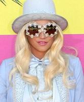 Kesha_2013_KCAs_tn