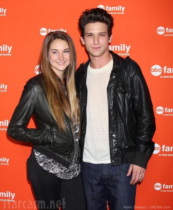 shailene woodley and daren kagasoff dating A description of tropes appearing in secret life of the american teenager a teen drama on abc family mainly focusing on six teens in high school, one of.