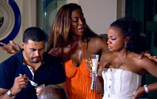 did kenya and apollo hook up 2018-6-7  lilly's break during the second season marked the first time in the sisters' career that they did not  the apollo chorus of chicago  of sense8 in the up-and.