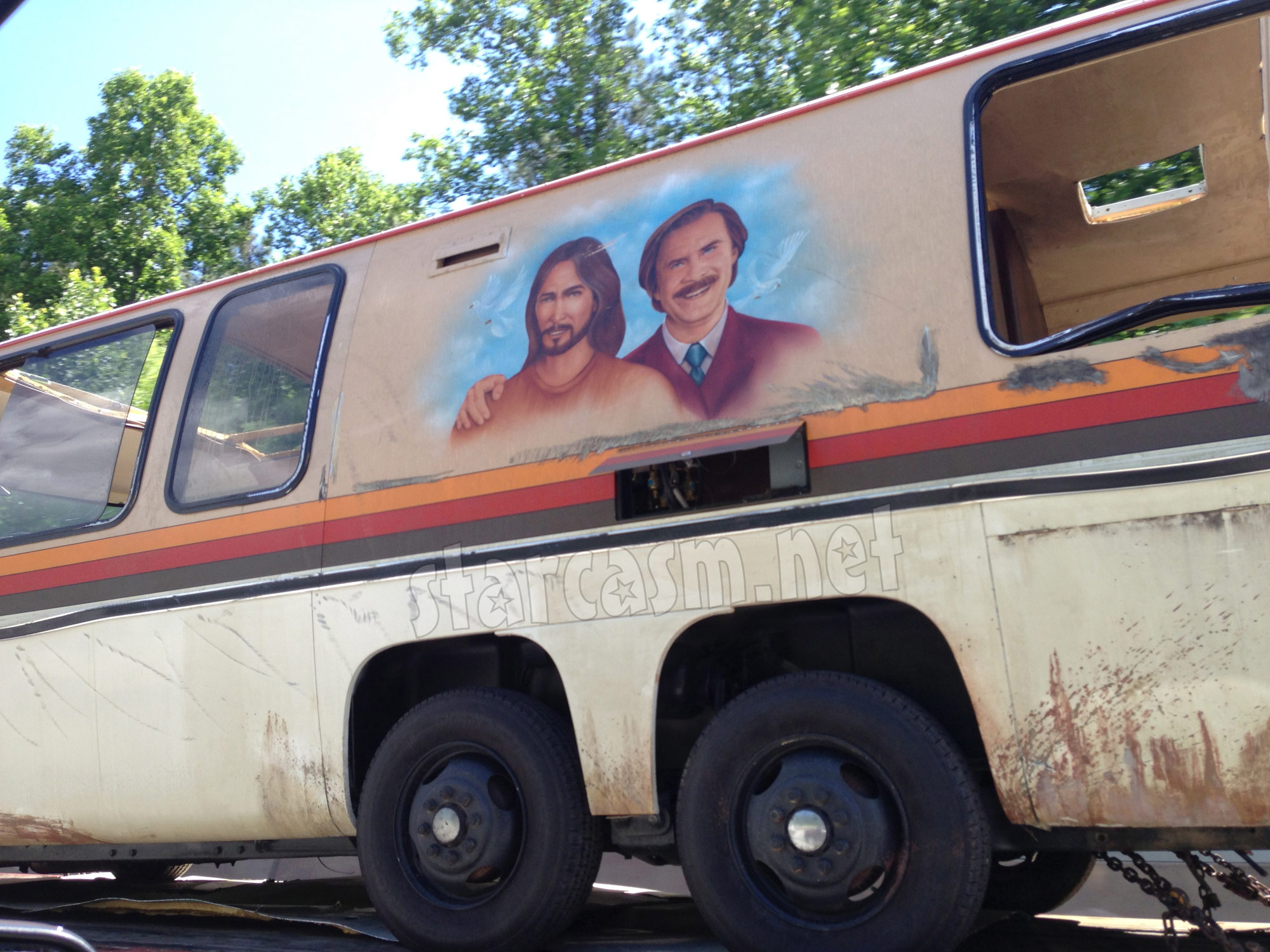 EXCLUSIVE PHOTOS Ron Burgundy & Jesus RV from Anchorman 2 gets totaled