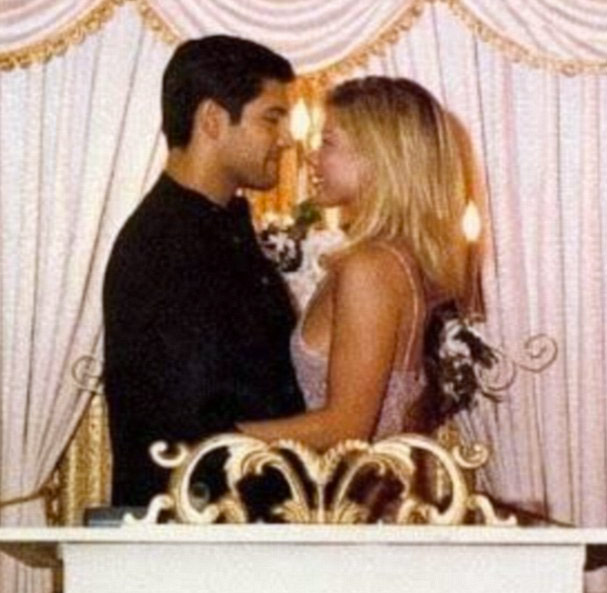 "Kelly Ripa and Mark Consuelos wedding photo: ""17 years seems like 17"