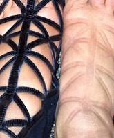 Kim_Kardashian_swollen_feet_tn