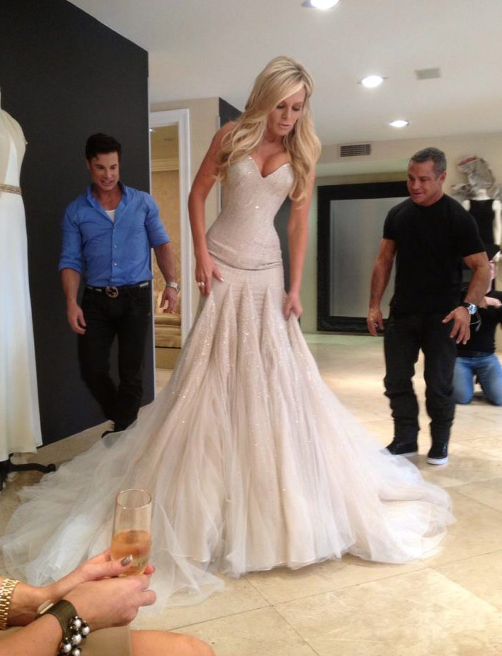 When does tamra 39 s oc wedding premiere on bravo for Wedding dresses orange county