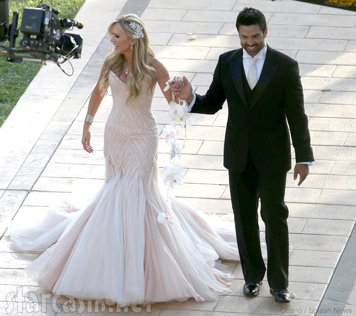 Eddie Judge and Tamra Barney wedding photo aisle