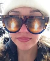Amanda_Bynes_driveway_fire_tn
