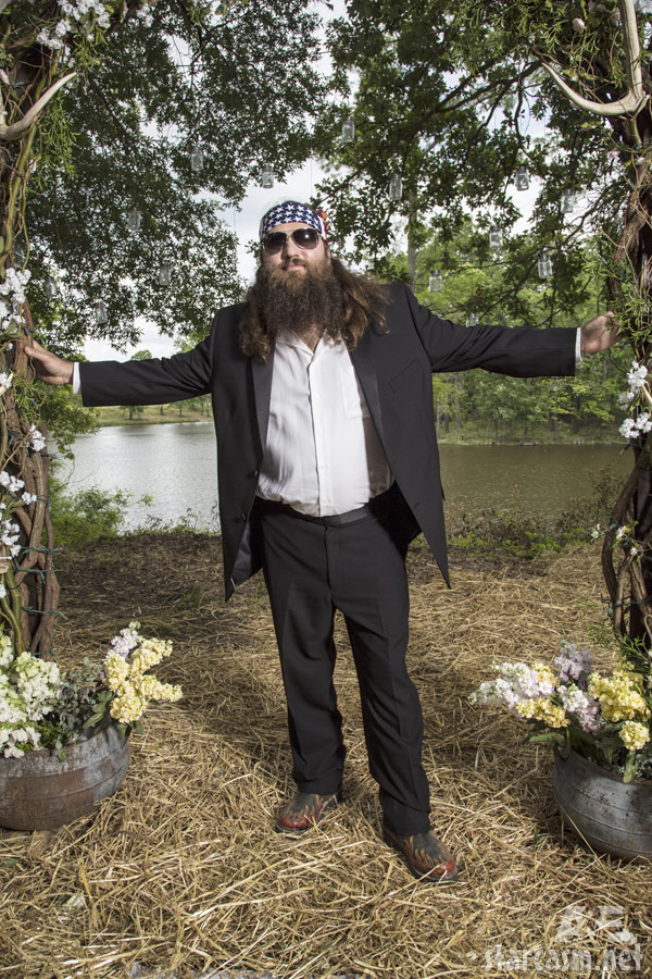 Here are photos of Jase Robertson and Jep Robertson with their spouses