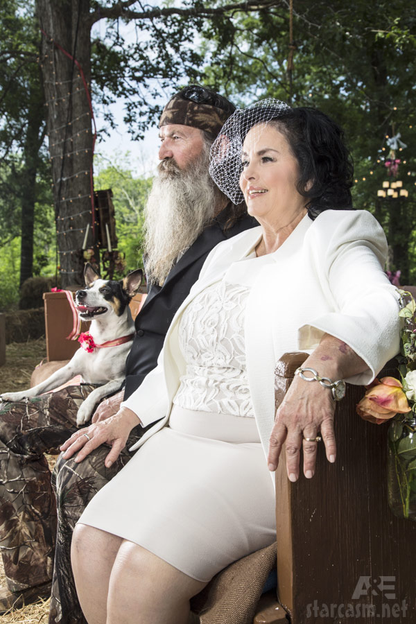 PHOTOS Phil Robertson & Miss Kay vow renewal ceremony from Duck