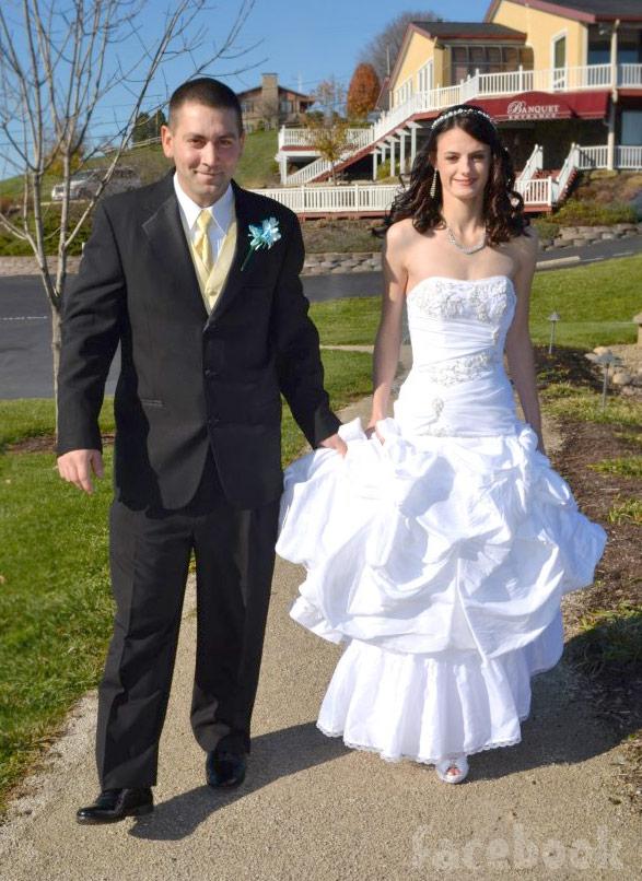 Breaking Amish: LA Betsy's wedding photos with husband Allen