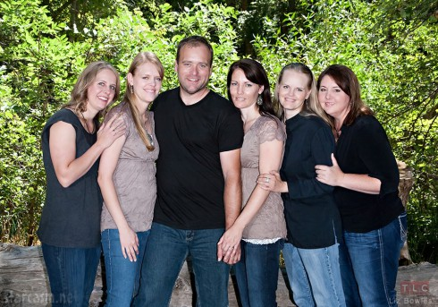 My Five Wives cast photo from left Nonie, Robyn, Brady Williams, Paulie, Rhonda, and Rosemary