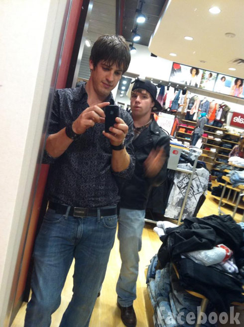 Braeking Amish LA's Matt with his friend Will at the mall