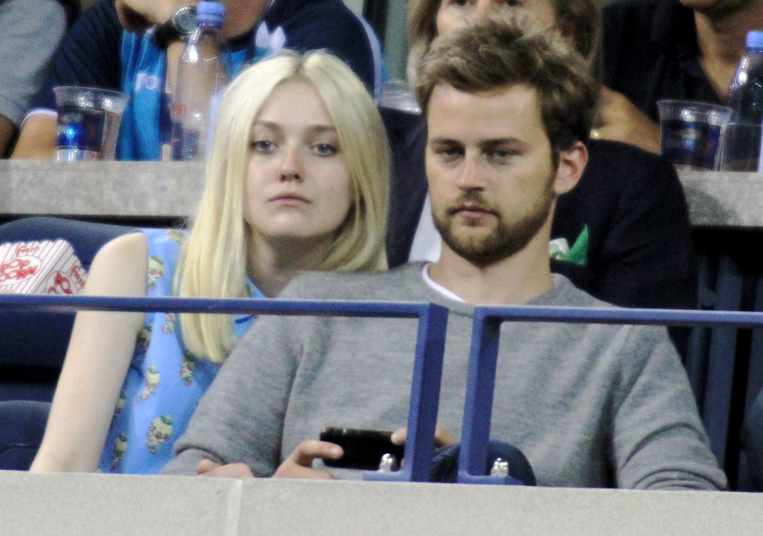 Who is Dakota Fanning's boyfriend, Jamie Strachan?