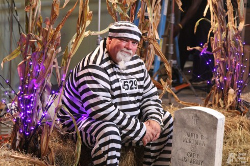 Duck Dynasty John Godwin in a prisoner convict Halloween costume