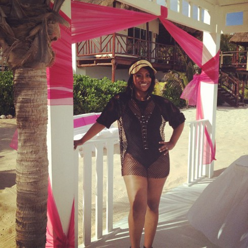 Kandi Burruss wedding photo from Cancun Mexico 2013
