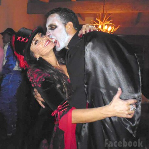 RHOBH Kyle Richards Mauricio Umansky Halloween costumes 2013