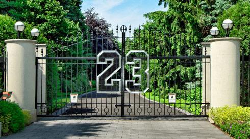VIDEO Tour of Michael Jordan's insane mansion that's up ...  VIDEO Tour of M...