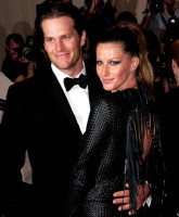 Tom Brady - Gisele Bundchen - Bodyguards Prison