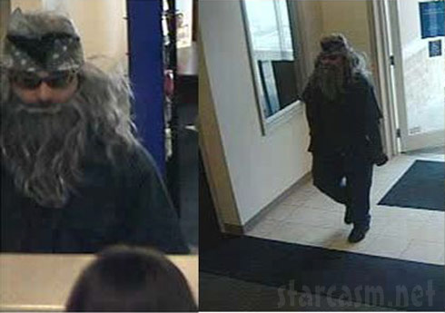 Man in Duck Dynasty beard and bandana disguise robs bank in Florida