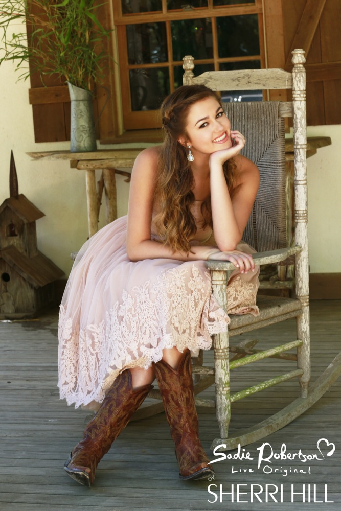 Photos Duck Dynasty S Sadie Robertson Modeling Live