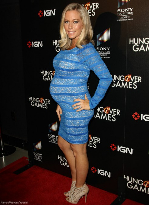 Kendra Wilkinson Flaunts Baby Bump When Is Kendra