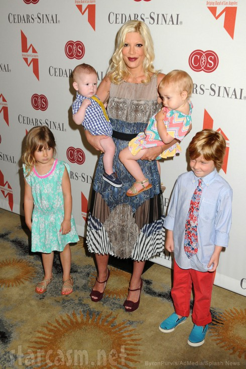 Tori Spelling and her four children
