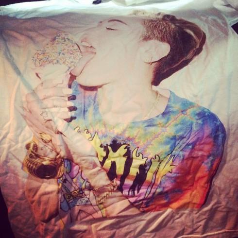 Jenelle Evans Miley Cyrus concert tour shirt photo