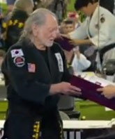 Willie-Nelson-black-belt_TN