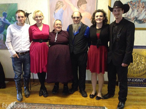 Breaking Amish Schmucker family photo with Rebecca, Abe, Abe's mom Mary and dad Chester, Abe's brother Andrew and his now wife Chapel