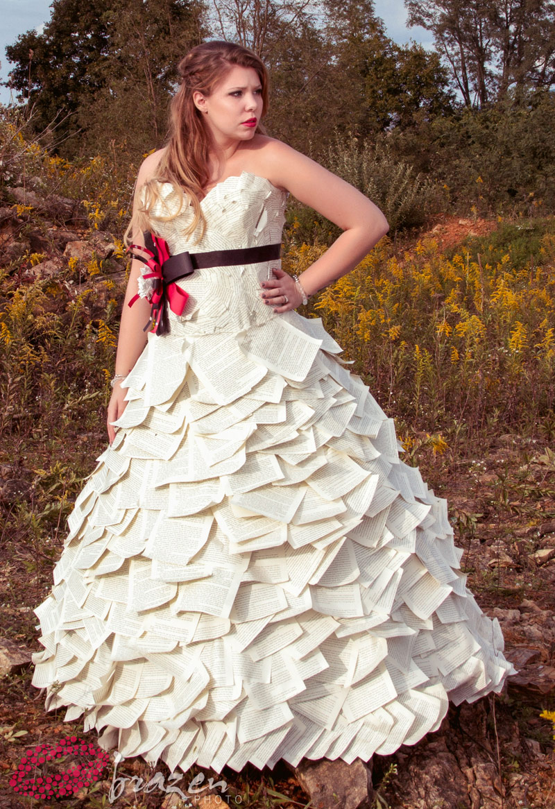 Photos kailyn lowry modeling paper wedding dress by kate for Double sided tape for wedding dress