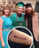 Reed_Robertson_high_school_graduation_tn