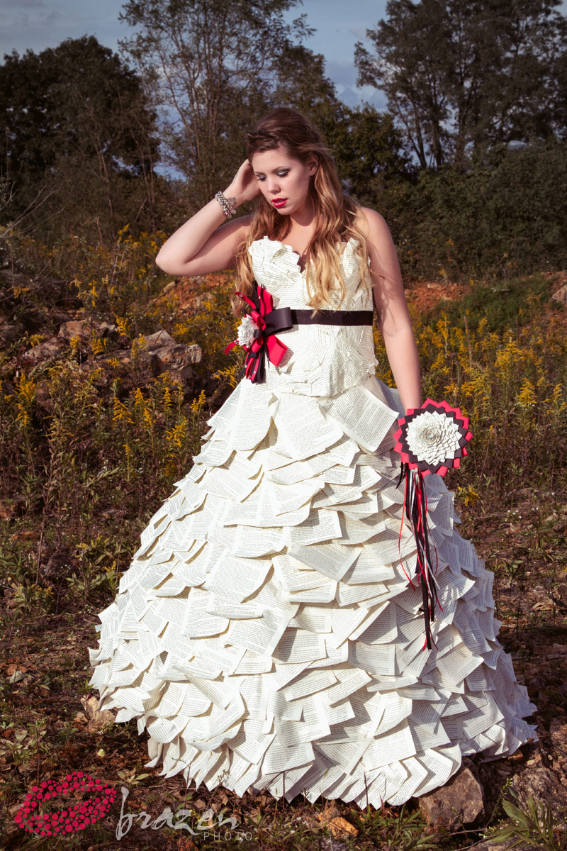 Photos kailyn lowry modeling paper wedding dress by kate for Teenage dress for wedding