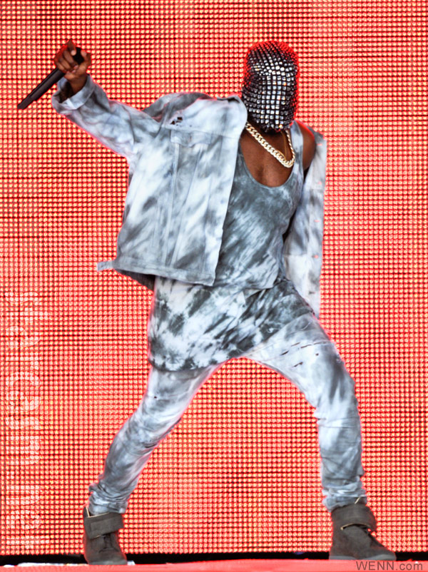 why does kanye west wear a mask on stage during his yeezus