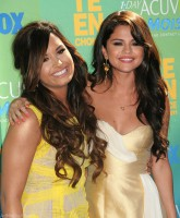 Demi Lovato - Selena Gomez - Still Friends - Together 2011