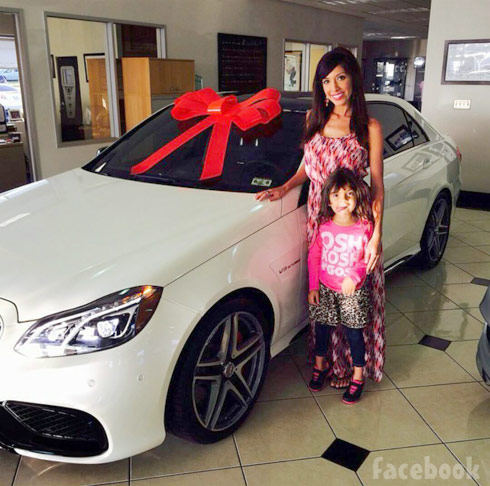 Farrah Abraham gets a new Mercedes with daughter Sophia