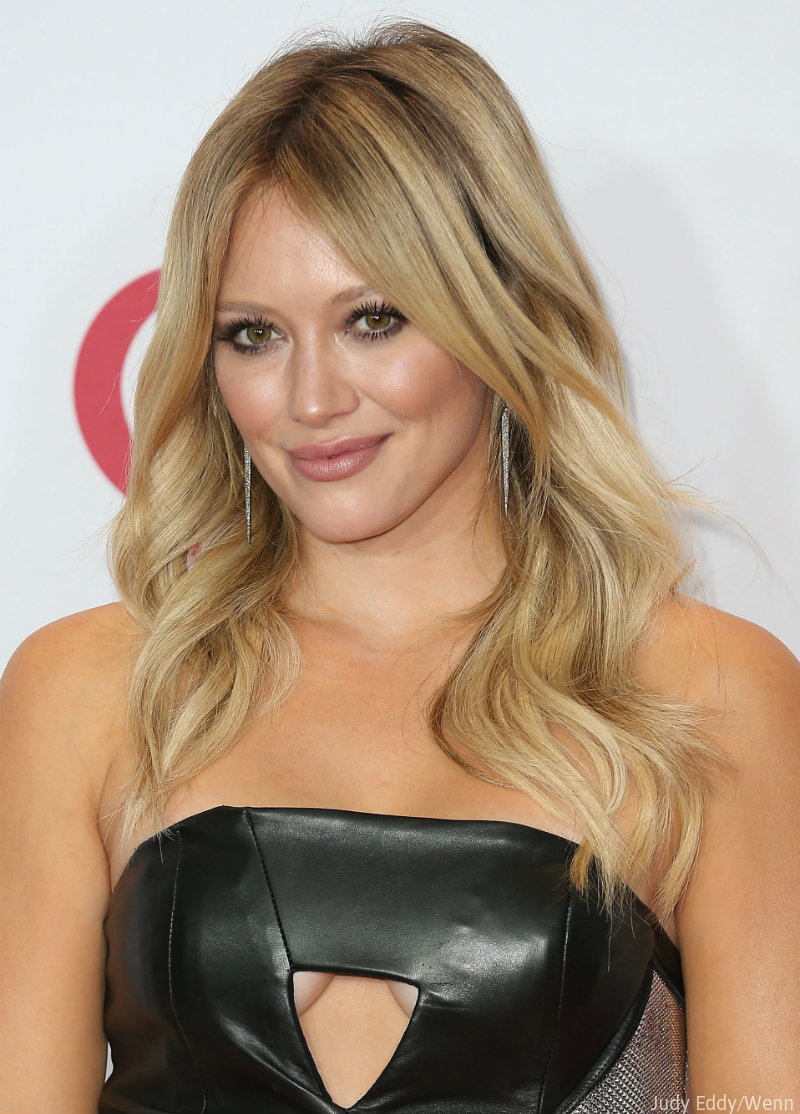 Hilary Duff says she w...
