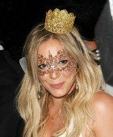 Hilary Duff Feature