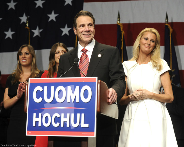 how did sandra lee and cuomo meet