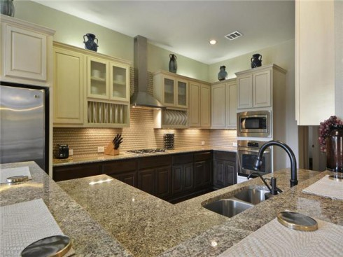 Farrah Abraham's house for sale kitchen