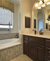 Farrah Abraham's house for sale bathroom tub 28