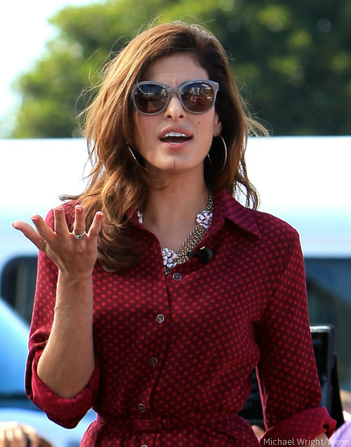 Eva Mendes waged war a...