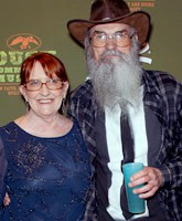 Uncle_Si_wife_Christine_Robertson_tn