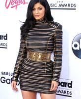 Kylie_Jenner_Billboard_Music_Awards_2015_tn